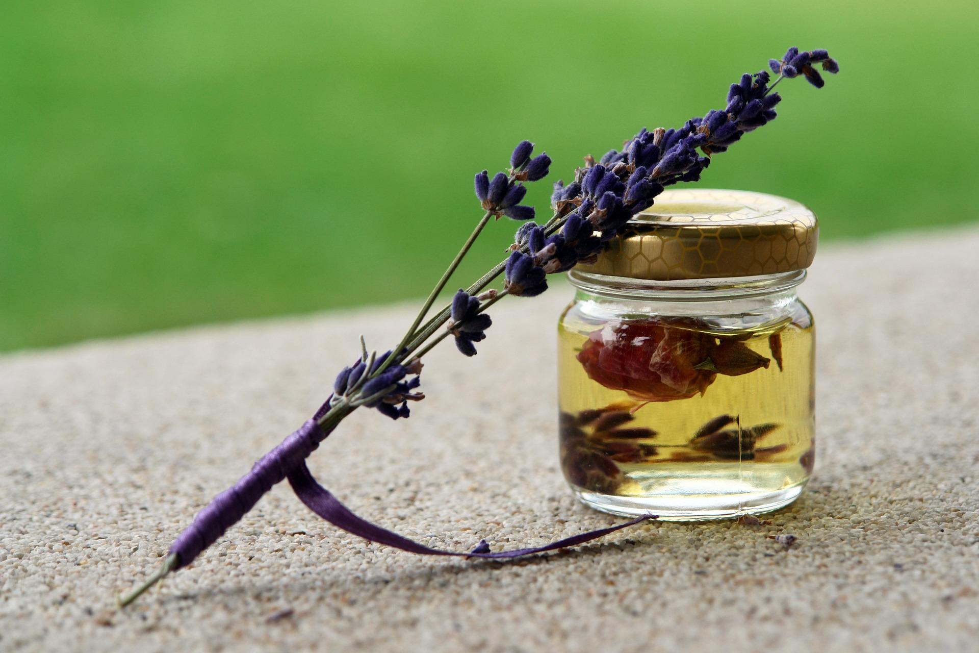 Lavender_Essential_Oil
